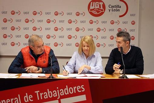 Evelio Angulo,Carmen Barrera y Raúl Santa Eufemia. Balance sobre mercado laboral. Miriam Chacón. Agencia Ical