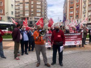 Los jubilados y pensionistas de UGT y CCOO reclaman mejorar sus derechos